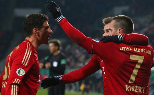 比豆穆勒破门妖星世界波 拜仁客场2-2晋级